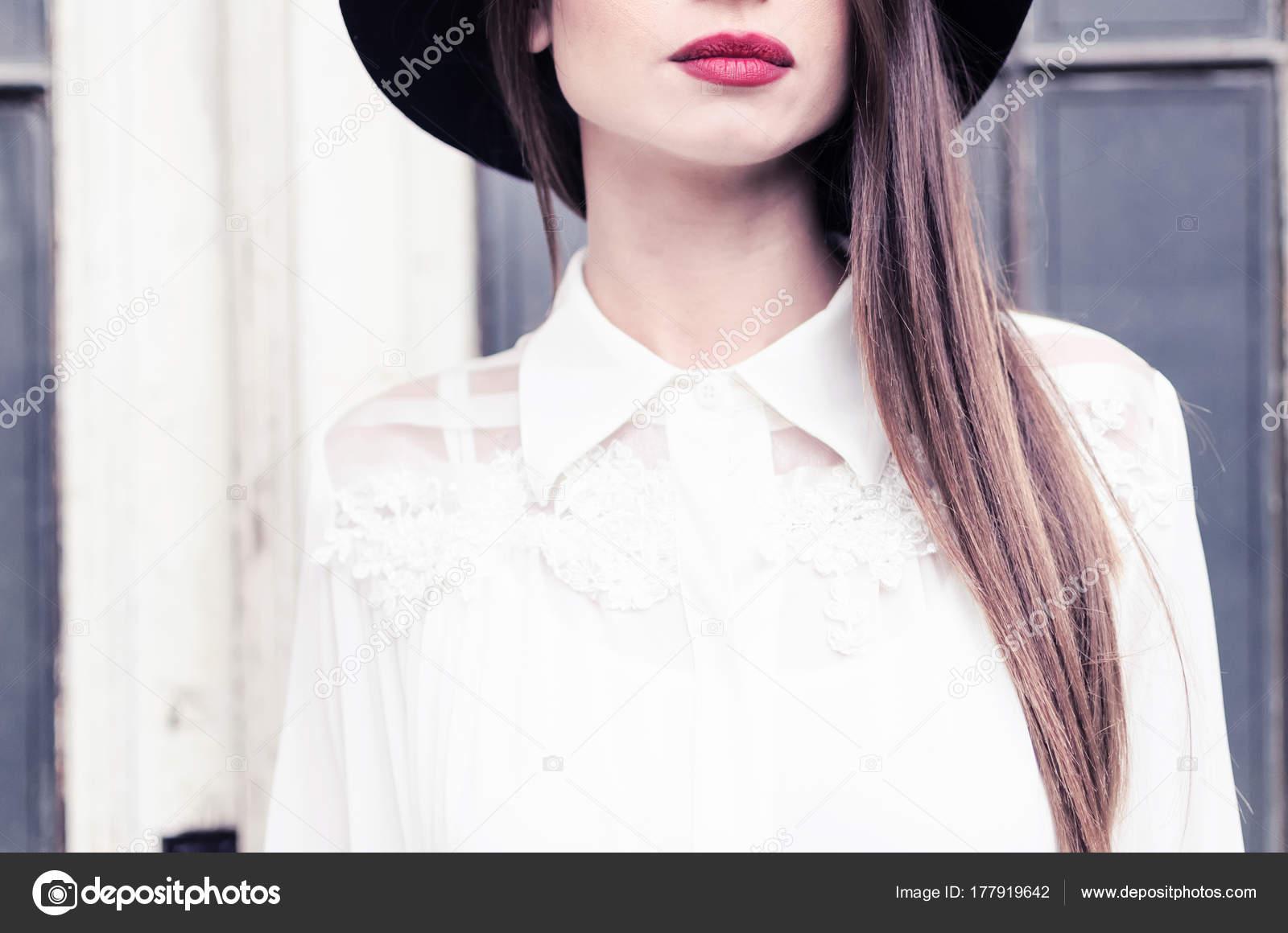 3e9c234c51be Γυναίκα Των Επιχειρήσεων Θηλυκό Λεπτομέρειες Ρούχα Κορίτσι Δαντέλα Λευκό  Πουκάμισο– εικόνα αρχείου