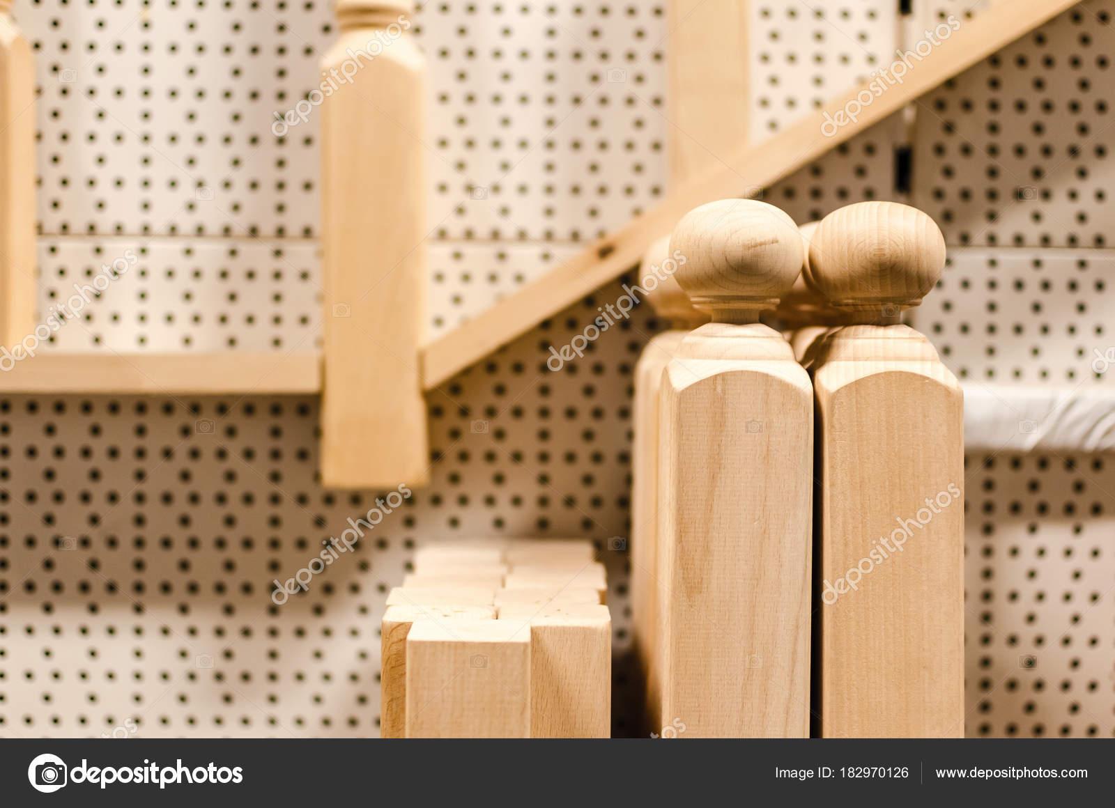 Houten decoratieve palen voor trappen hek winkel shop met