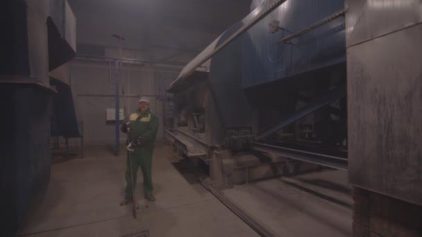 Fabrik Kessel Haus Clowsup brennen — Stockvideo © taraskohan@gmail ...