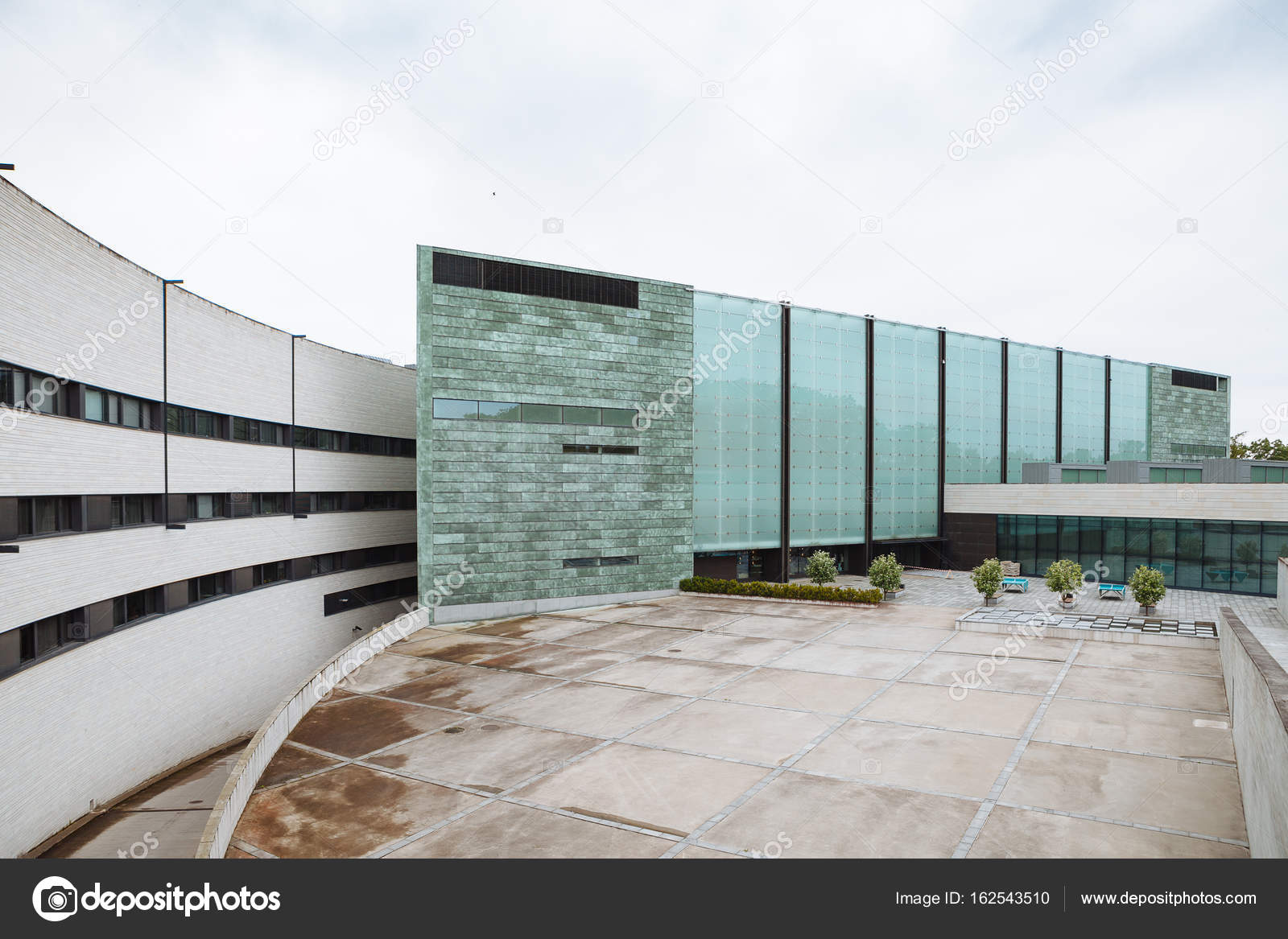 Museum voor moderne kunst architectuur kumu tallinn estland
