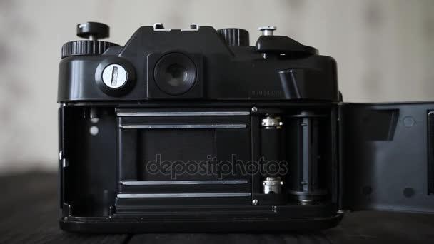 Staré sovětské mechanismus fotoaparátu. Rychlost závěrky. Práce závěrky