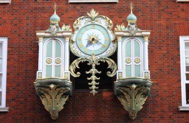 Fortnum & Mason mechanical clock