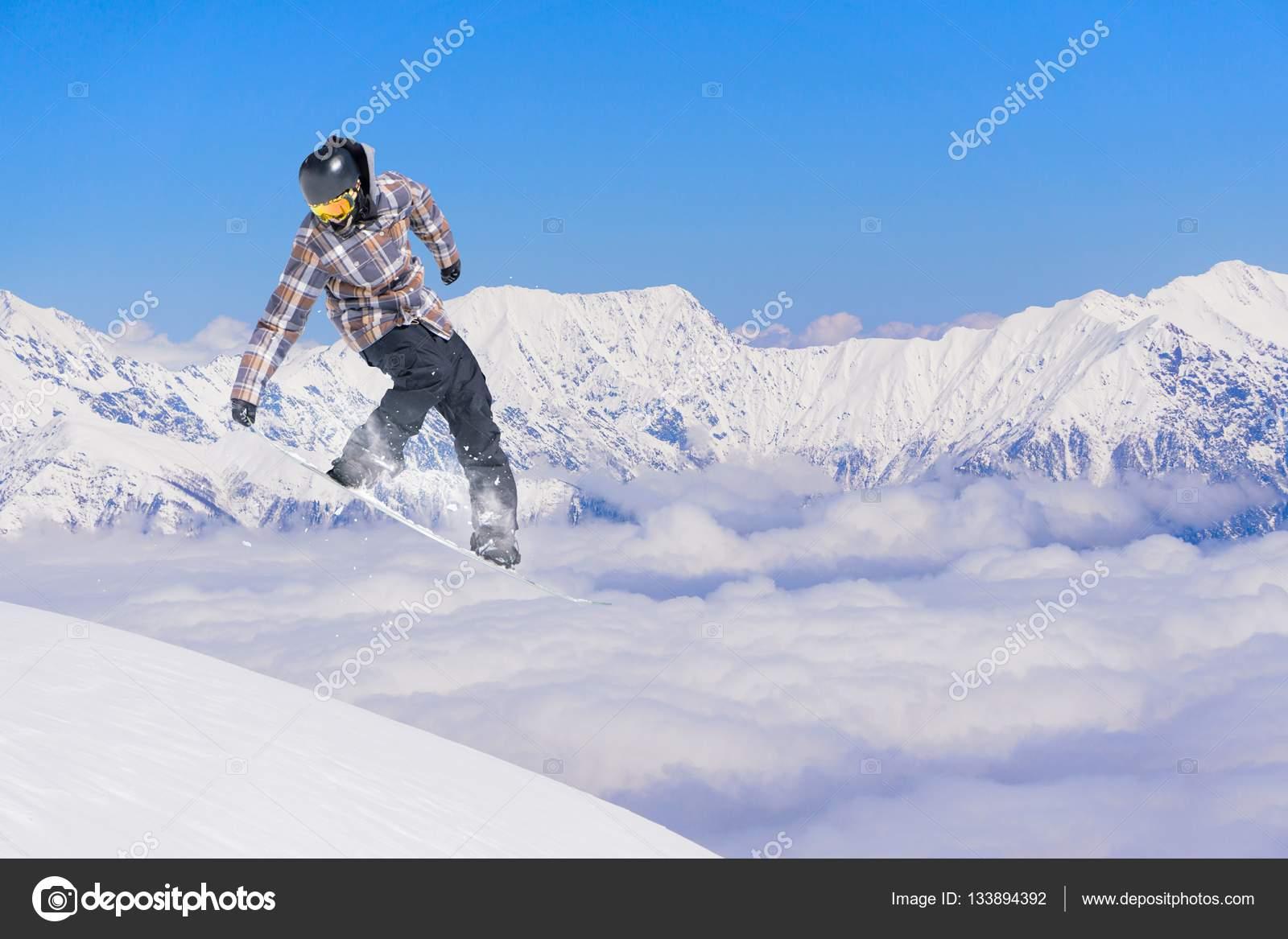 Rider Snowboard Skoki Na Góry Sport Ekstremalny Zdjęcie