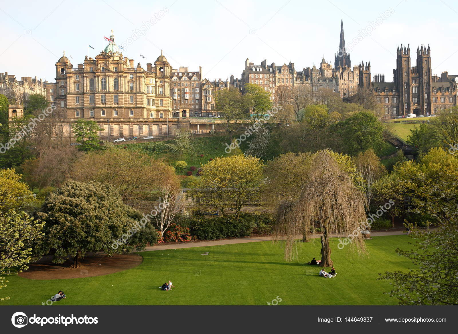 EDINBURGH, SCOTLAND - MAY 8, 2016: View of Princes Street Gardens ...