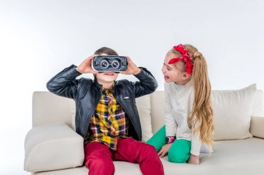 Children with Virtual reality headse