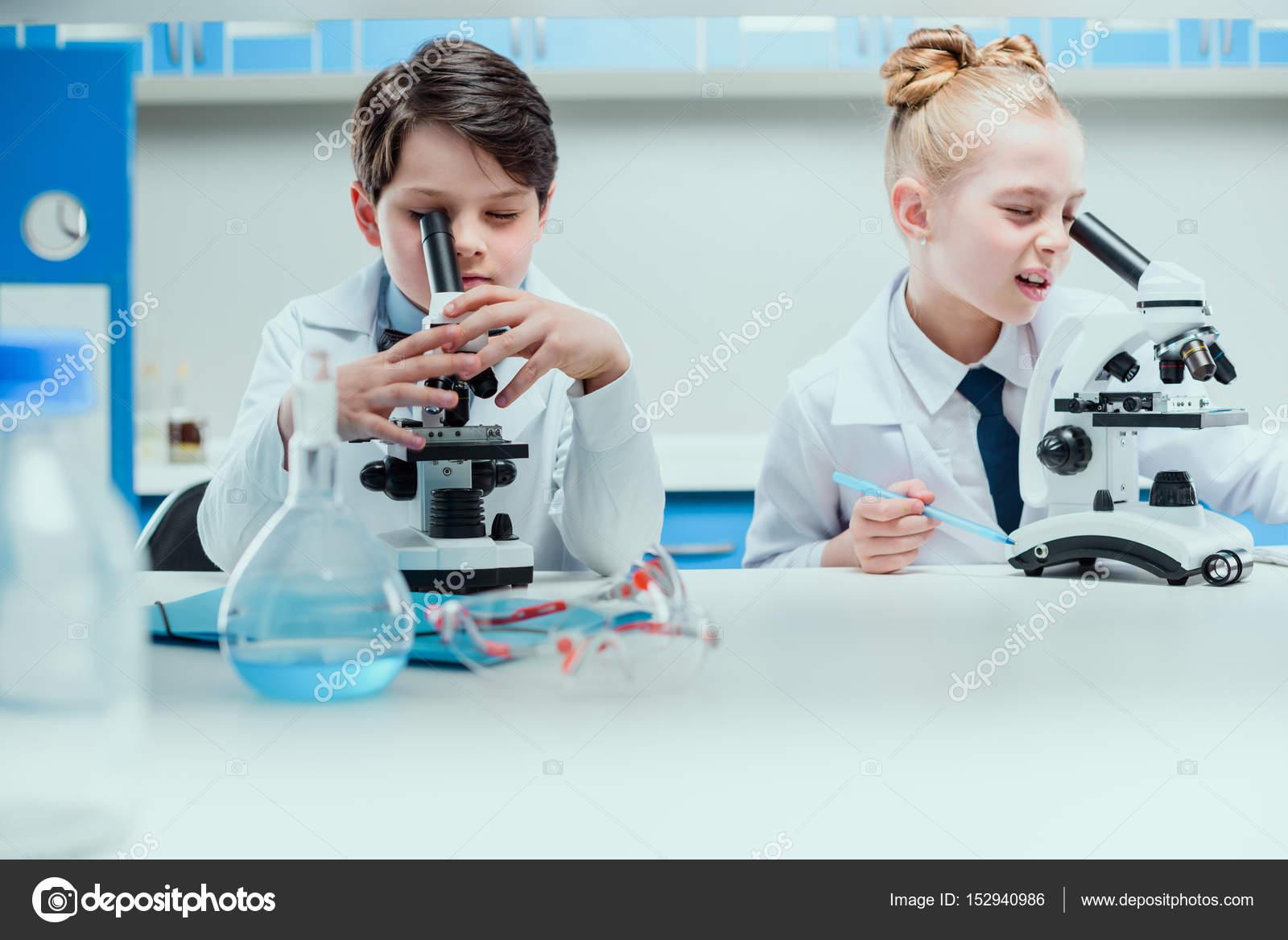 Kleine forscher im labor u2014 stockfoto © vikaovcharenko #152940986