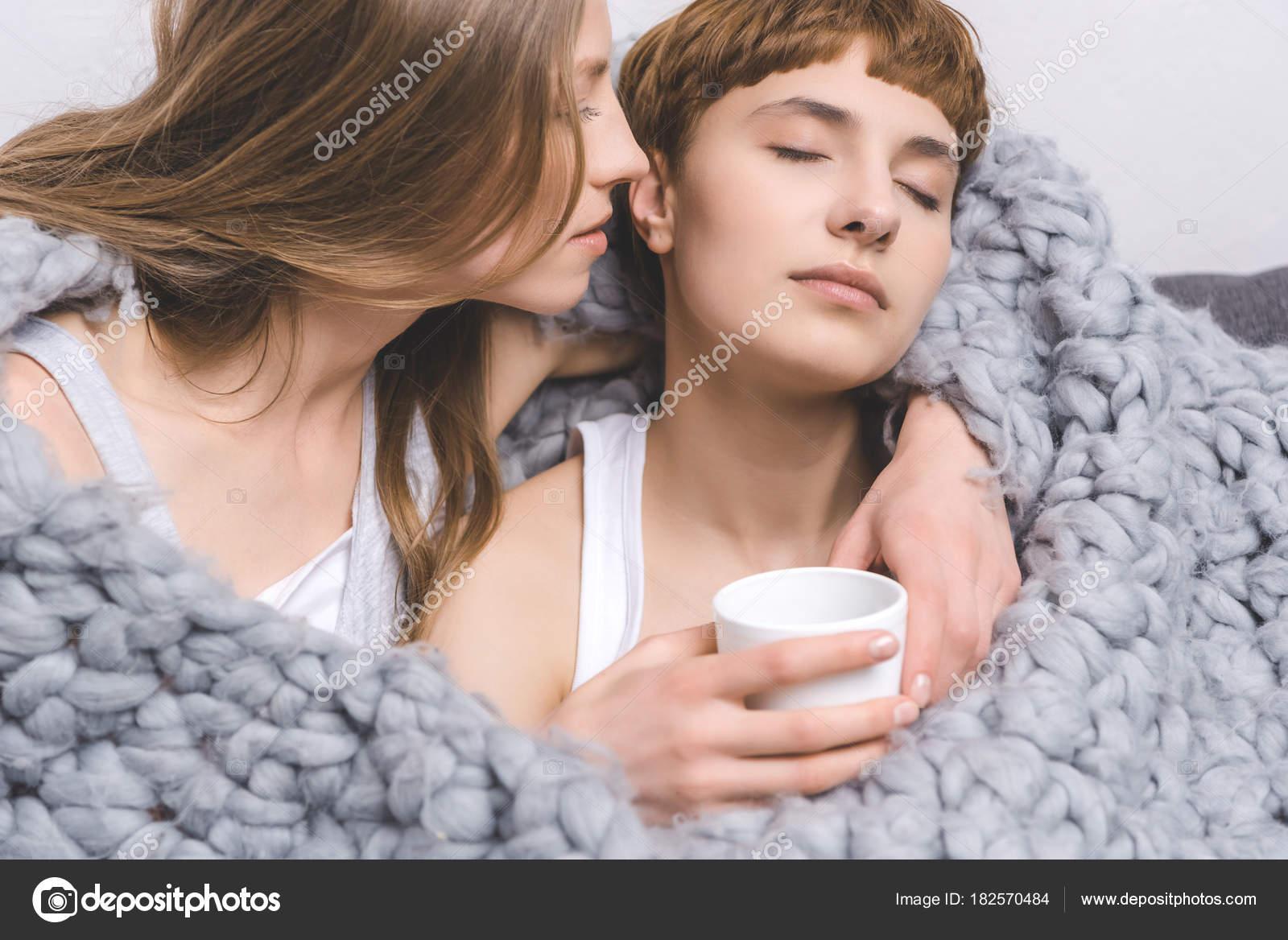 Lesben Unter Decke