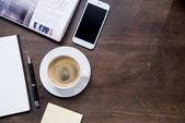 Kávéscsésze és smartphone-ra iskolapad