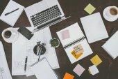 Fotografie digitálních zařízení a kancelářské potřeby