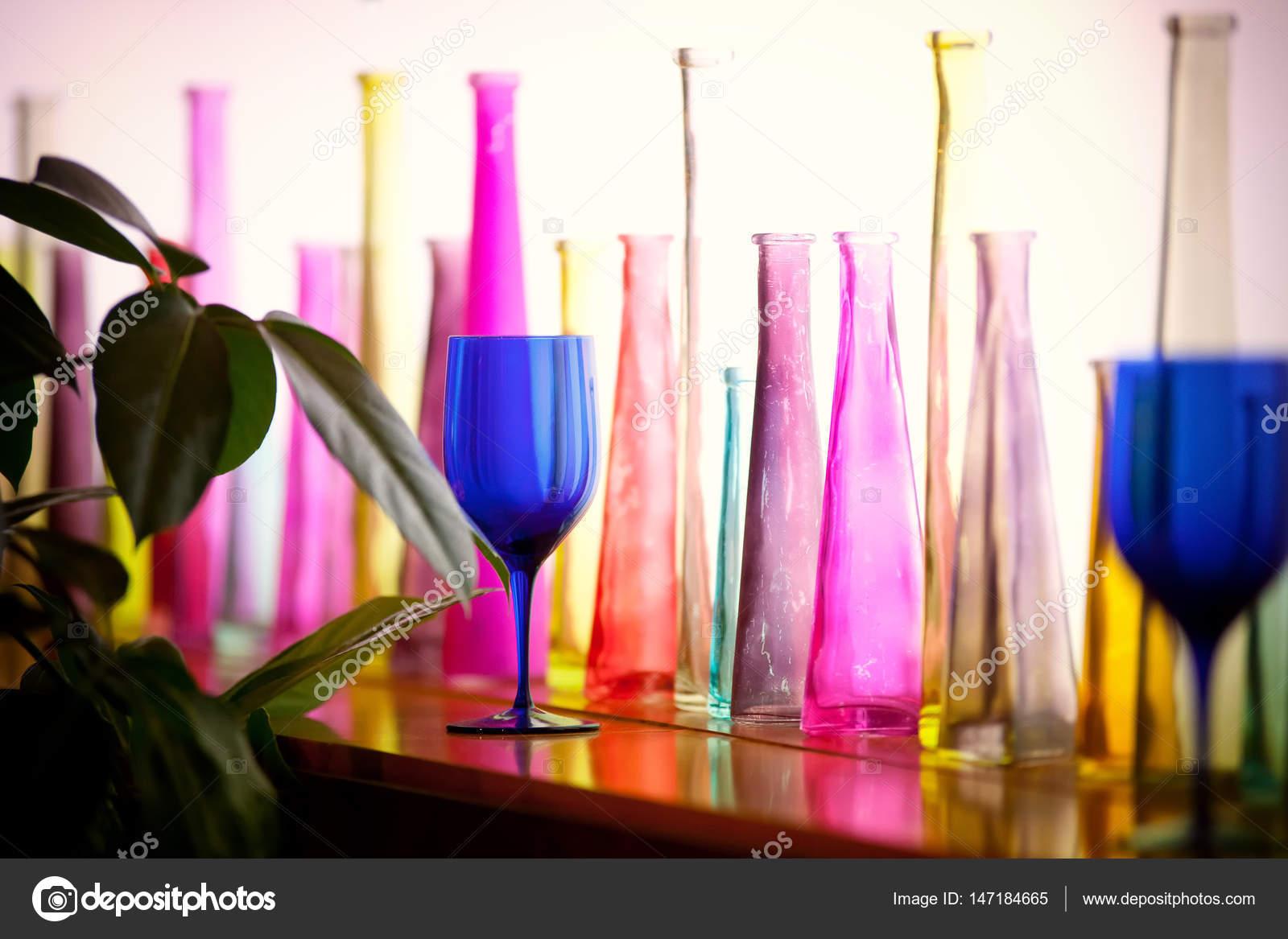 Projektowanie Wnętrz Z Kolorowe Szkło Ozdobne Butelki