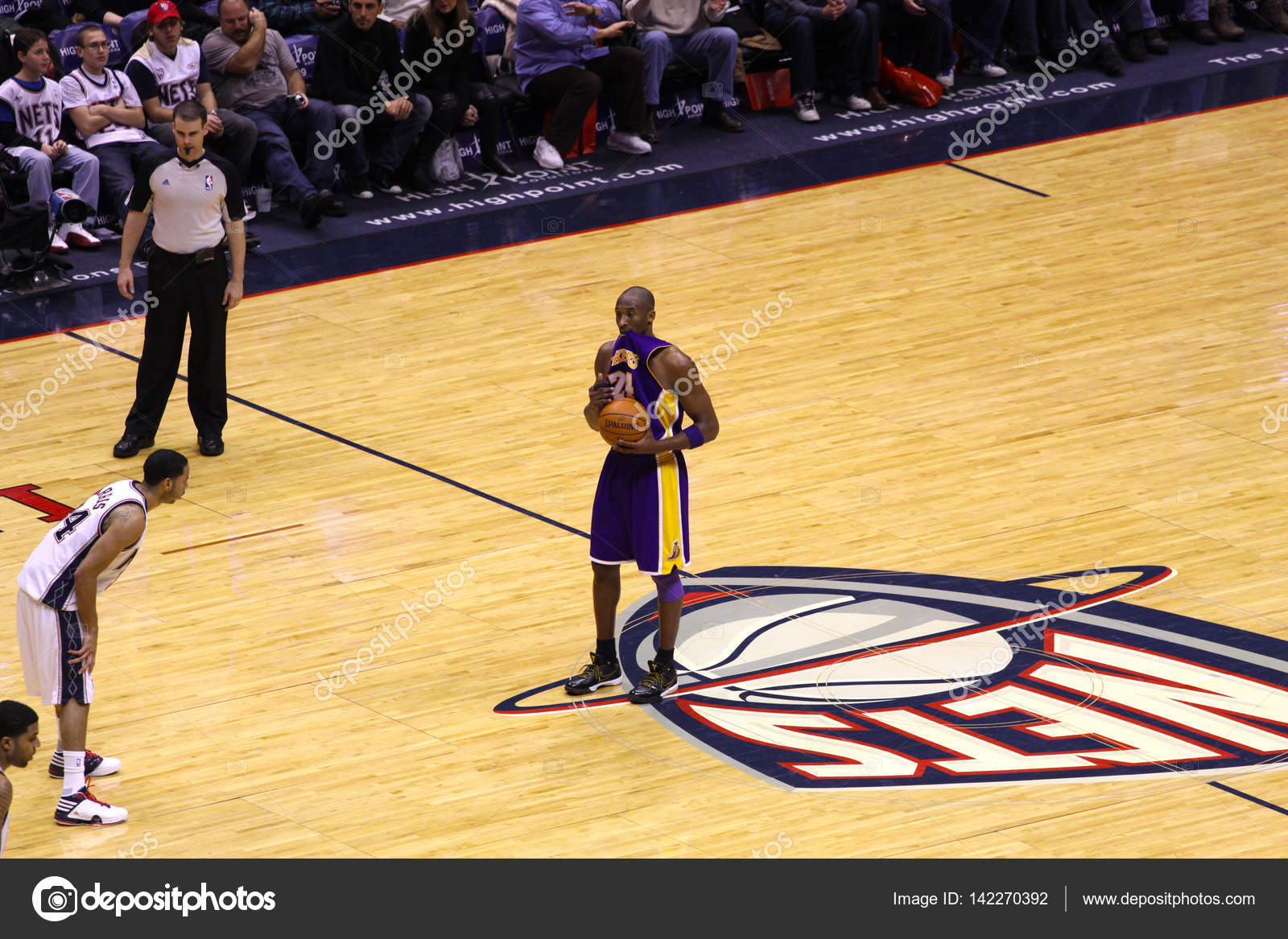 pretty nice 9a691 73a31 Kobe Bryant in the game against New Jersey Nets – Stock ...