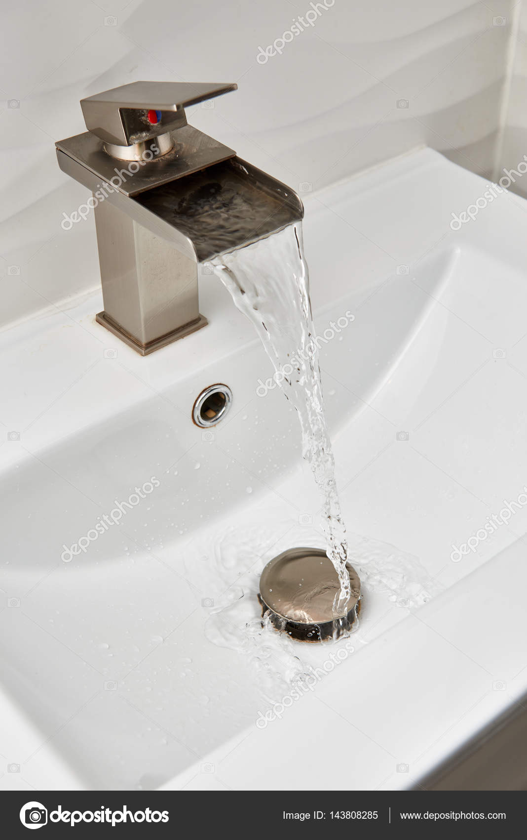 led modern agualights design en waterfall bathroom contemporary showerhead faucet kitchen