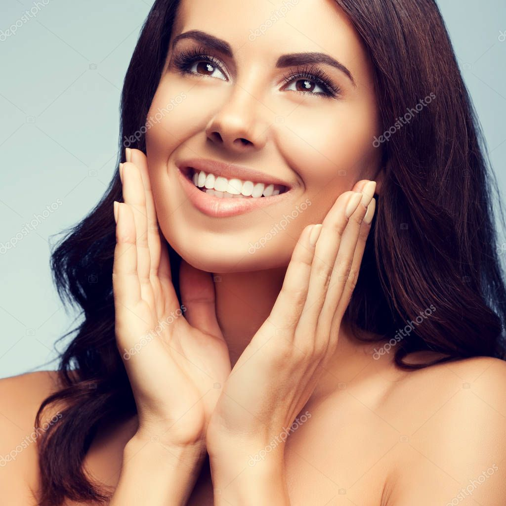 Young Dark Hair Woman With Naked Shoulders Stock Image
