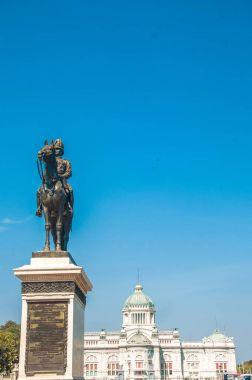 The Equestrian Statue of King Chulalongkorn and The Anantasamakh