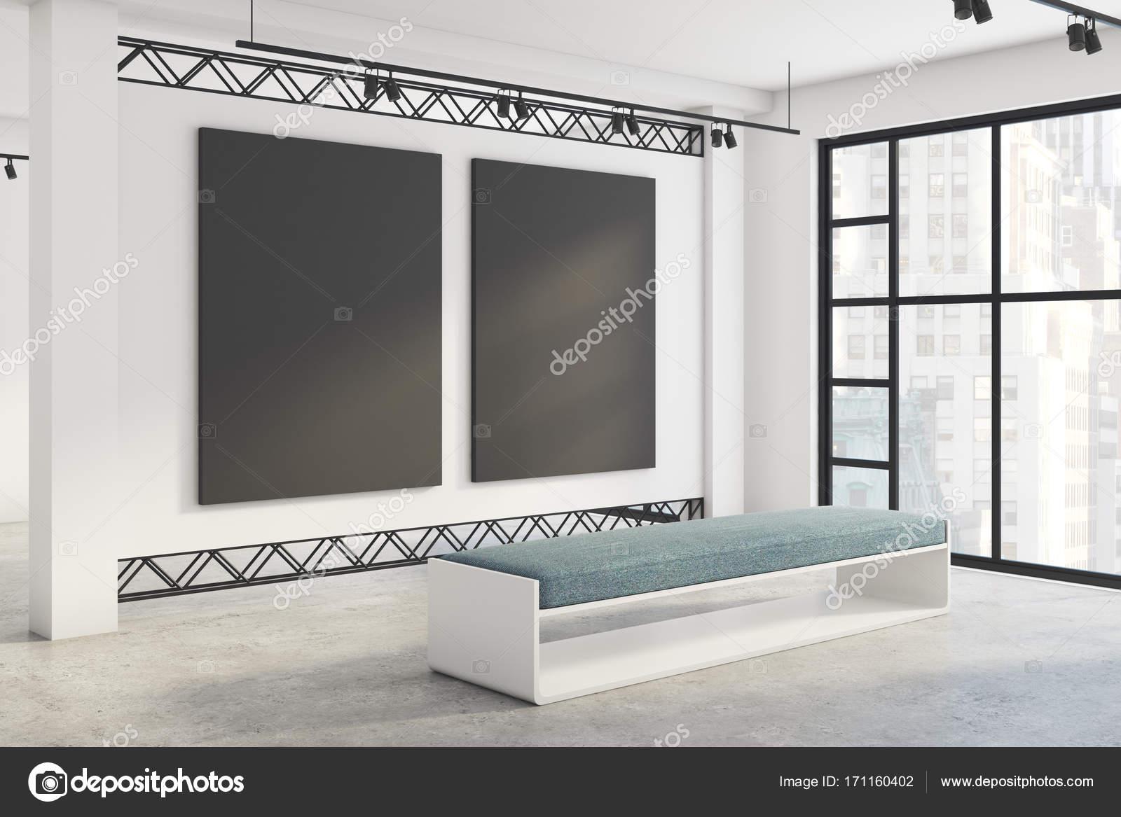 Ausstellung für moderne Innenausstattung mit leeren Plakatwände ...