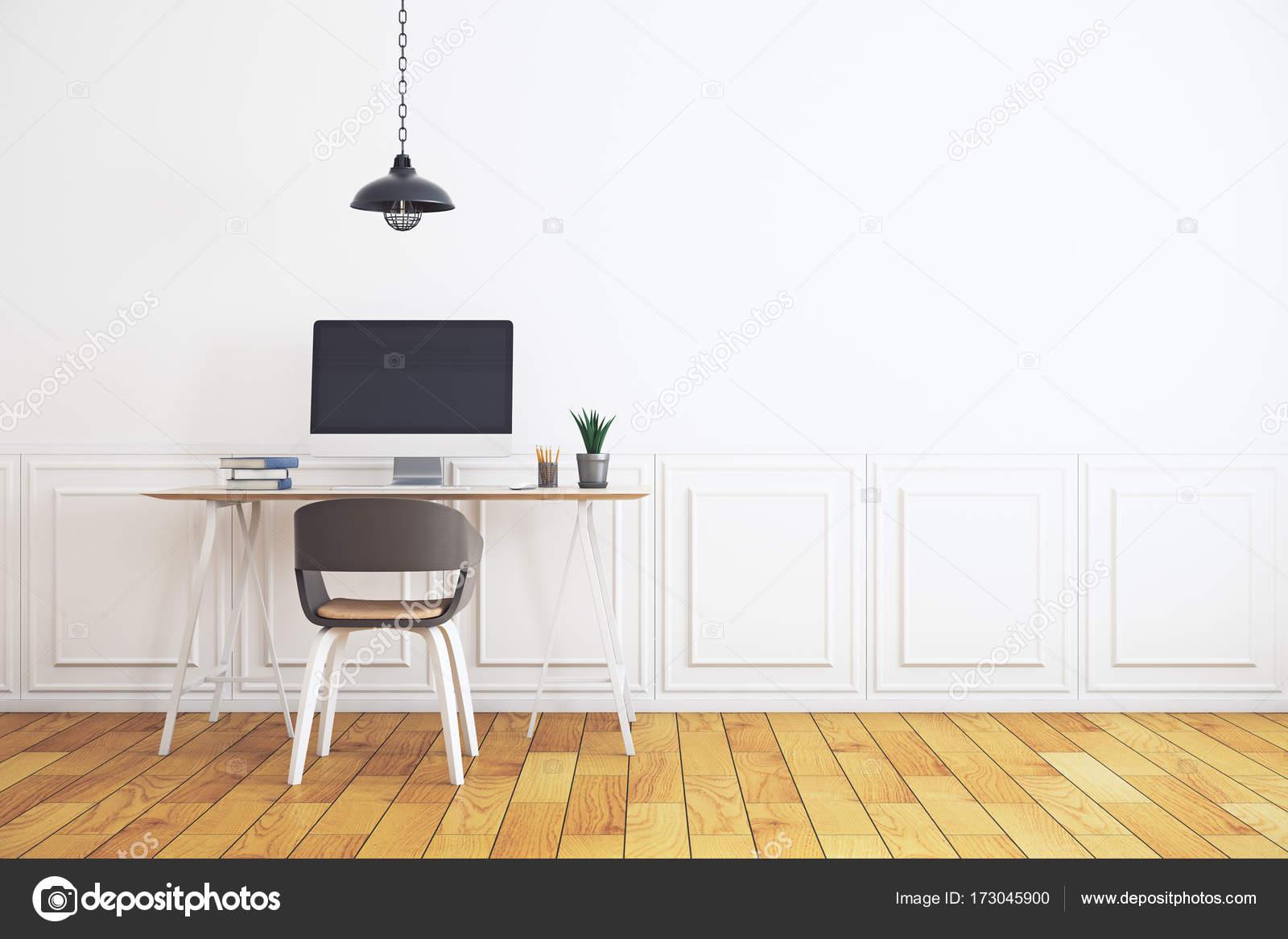 Werkplek in minimalistische witte interieur u stockfoto