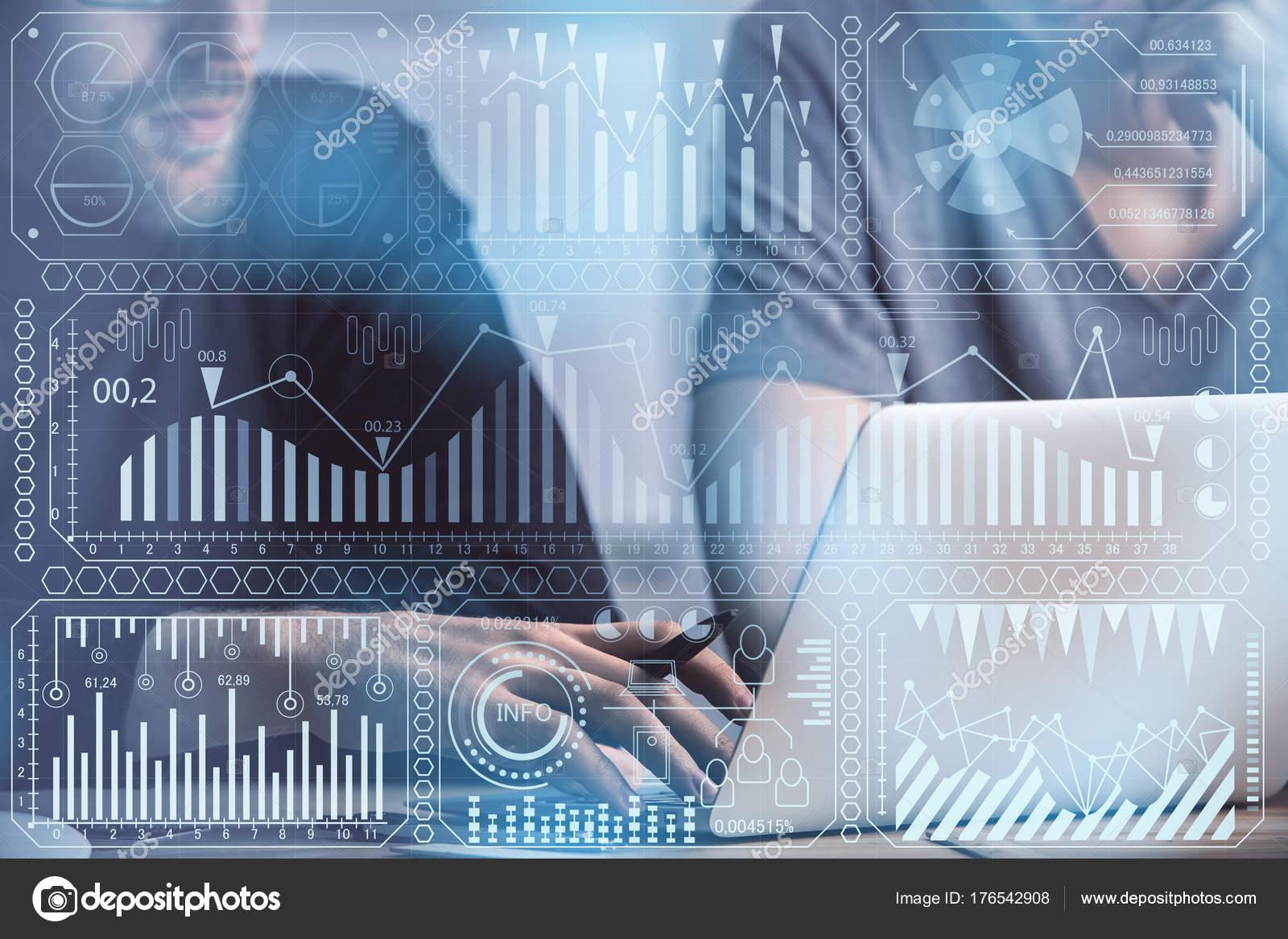 65a853761fa Αγνώριστος επιχειρηματίες χρησιμοποιώντας συσκευή στο χώρο εργασίας με  διεπαφή ψηφιακής επιχείρησης. Επιχείρηση και λογιστική έννοια.