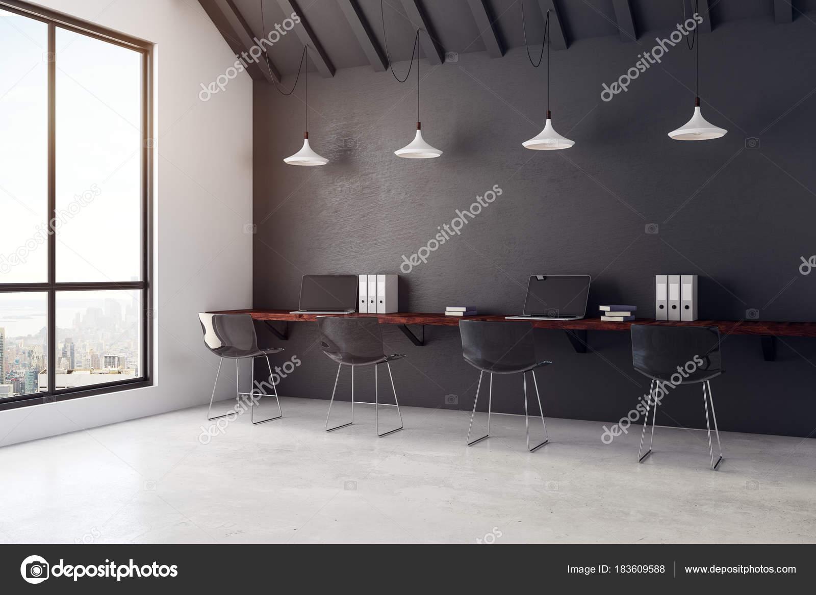 Zeitgenössische coworking Büro Interieur mit Blick auf die Stadt ...