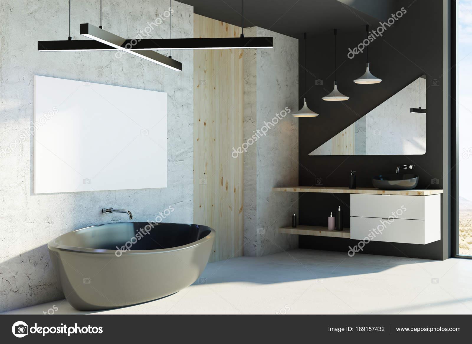 Modernes bad mit leeren poster u stockfoto peshkova