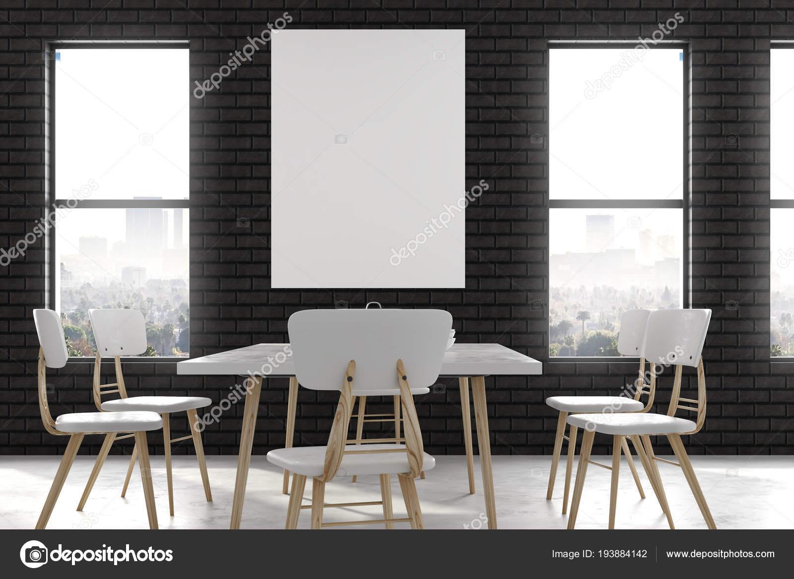 Im modernen speisesaal mit poster u stockfoto peshkova