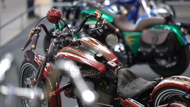 Ročník exkluzivní tuning motocyklů. Velký veletrh kol.