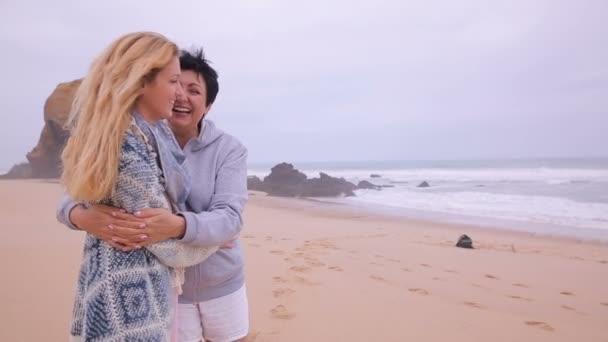 Adult mature video woman pics 34