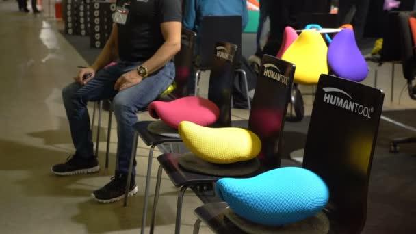 Sedie Da Ufficio Per Postura Corretta : Sede ultra alla moda per una postura corretta e la posizione di