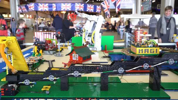 Automatická linka Lego na hračky pro děti i dospělé