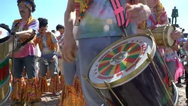 Trommlergruppe während des Samba-Karnevals in Helsinki