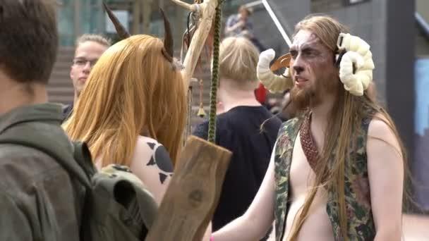 Skupina cosplayers oblečený jako Fantastické postavy