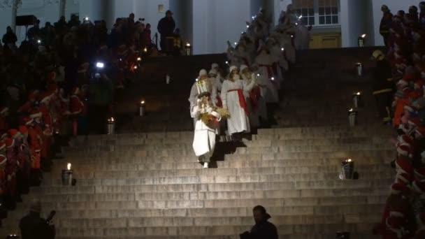 das traditionelle Fest der Heiligen Lucia vor Weihnachten