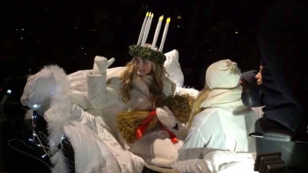 Die traditionelle Feier des St. Lucia vor Weihnachten