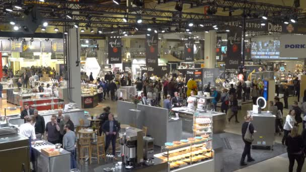 Lots of visitors in the big hall during the Food Show in Helsinki