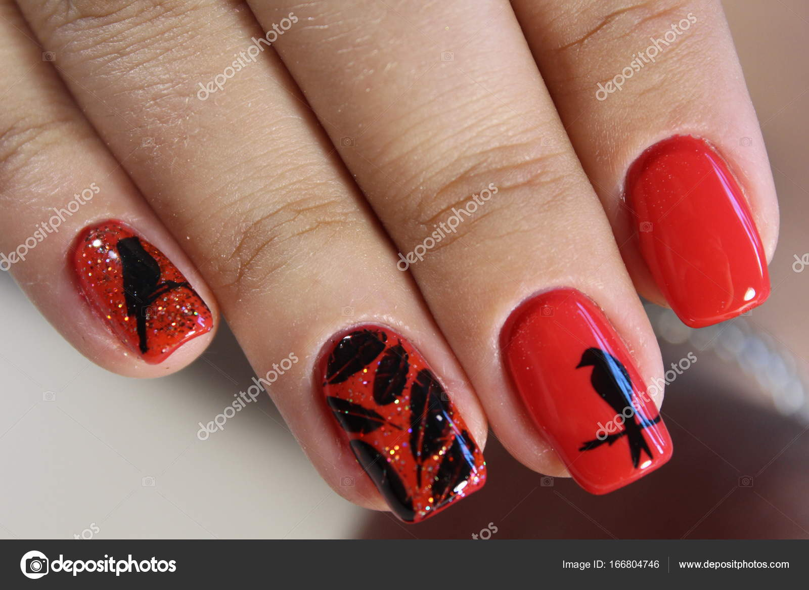 Maniküre Design rote Nägel — Stockfoto © SmirMaxStock #166804746