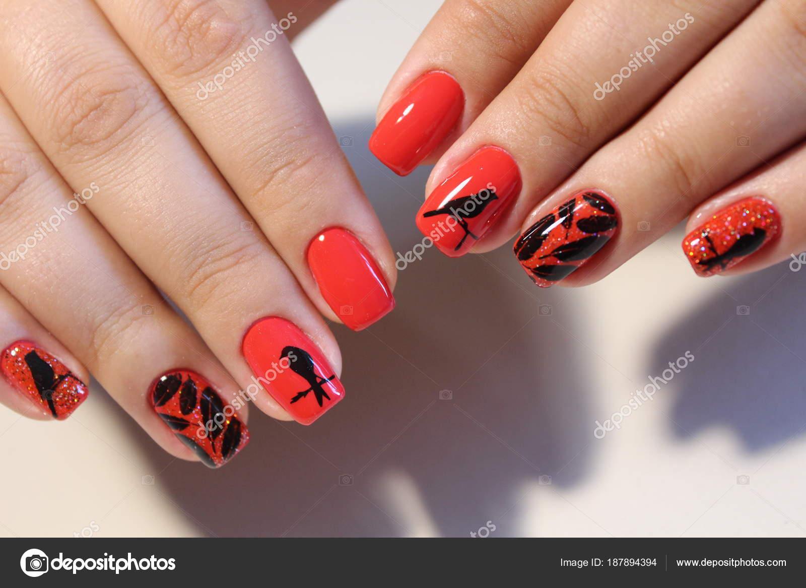 Beeindruckend Nägel Muster Sammlung Von Maniküre Design Rote Nägel Mit — Stockfoto
