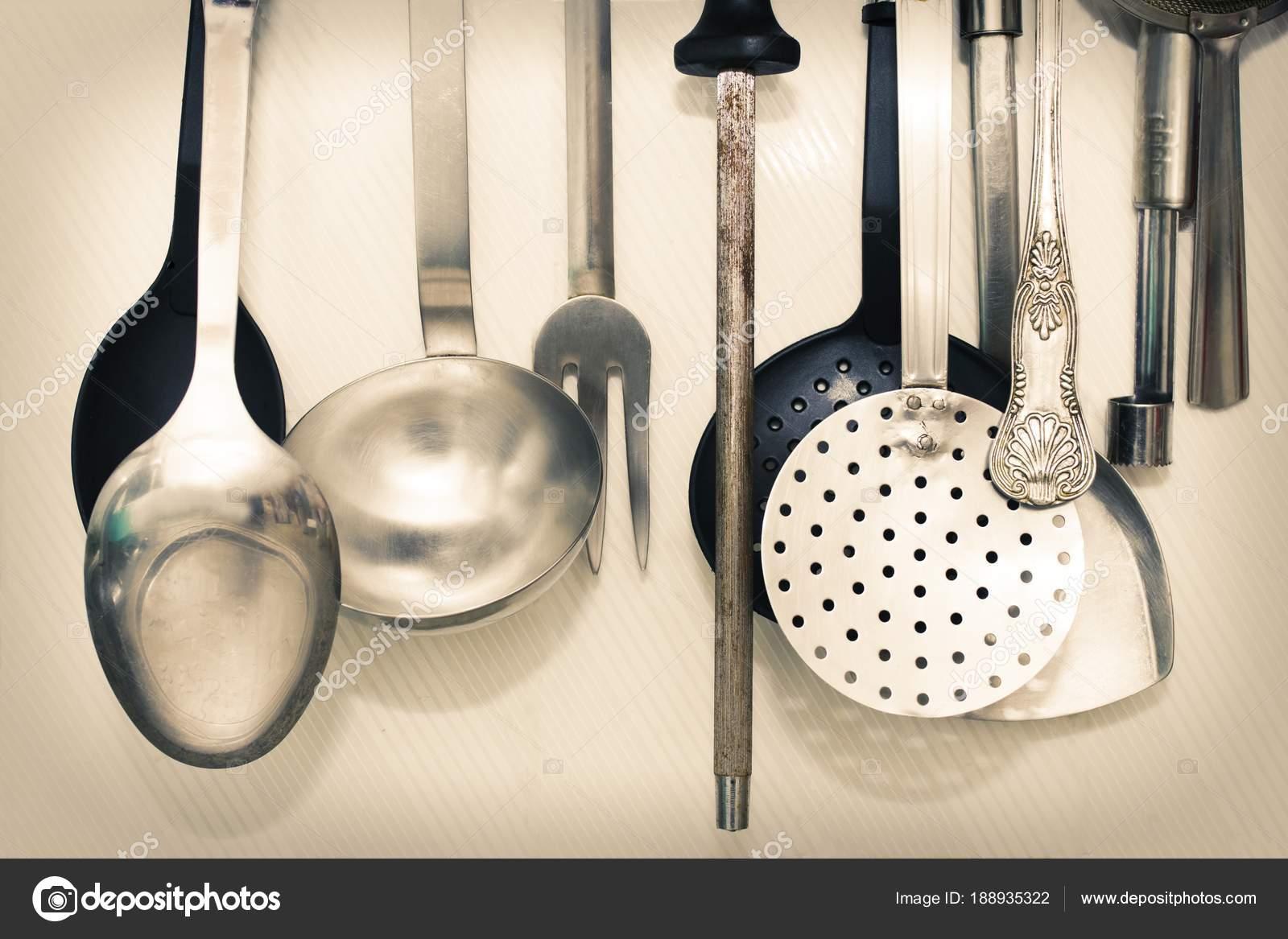 Küchenutensilien Die Die Wand Gehängt — Stockfoto © carballo #188935322