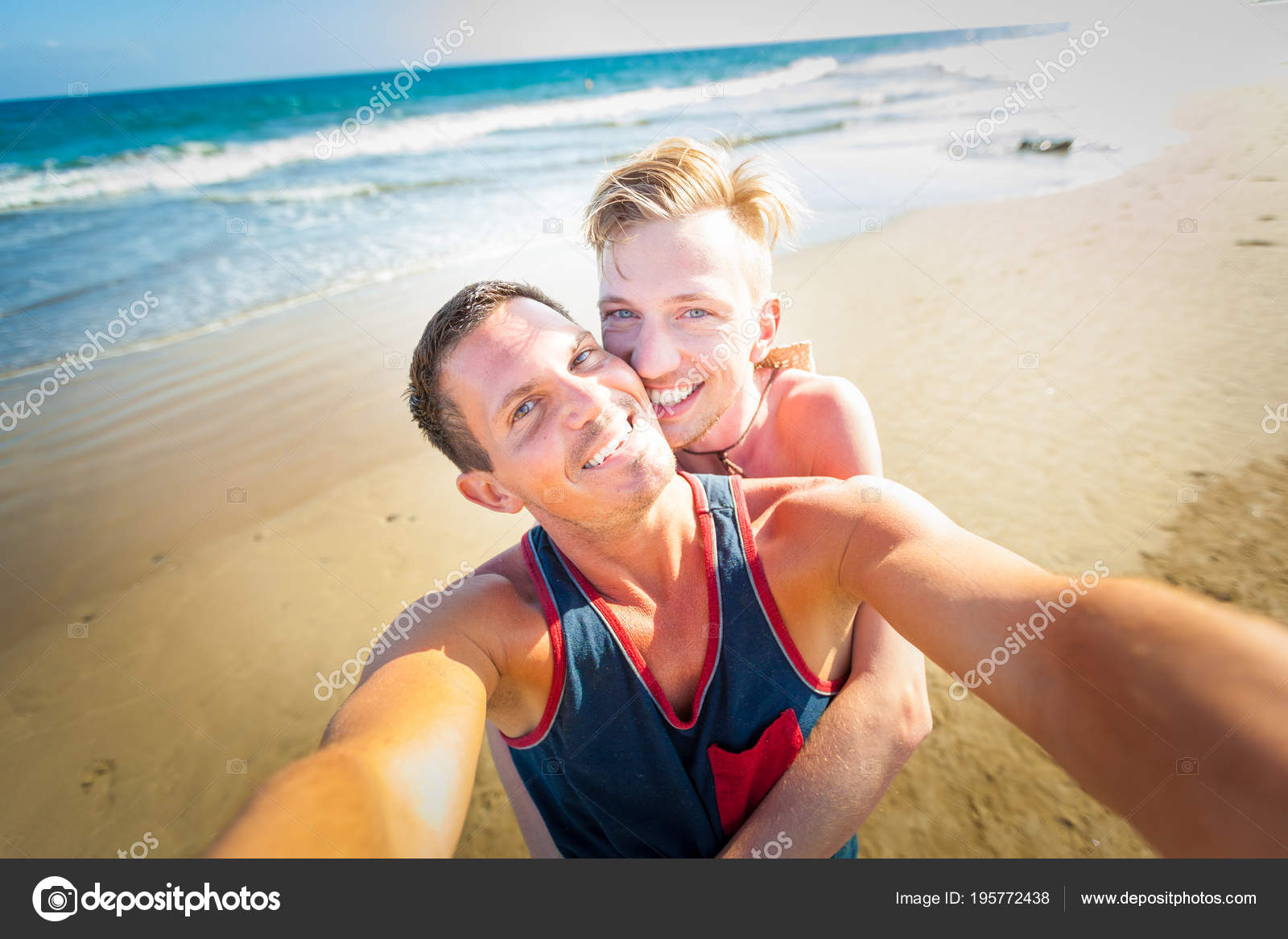 Гей пляж солнечный берег