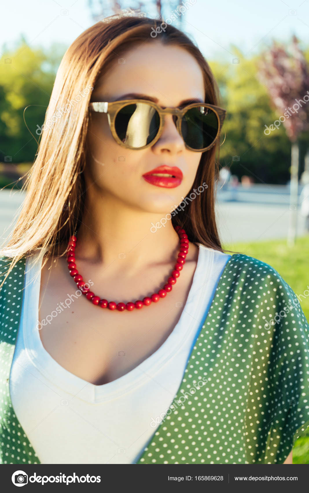 Stile Occhiali Sole In BicchieriRagazza Gioiosa Con Da Moda Donna gyY6fb7