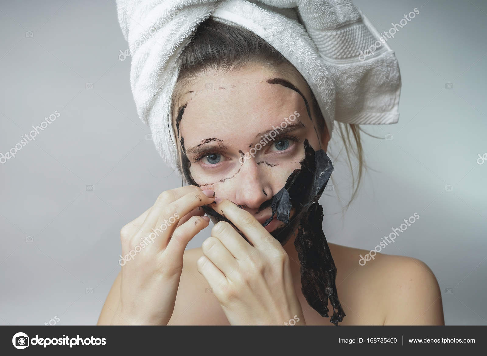 How to clean the face of black dots