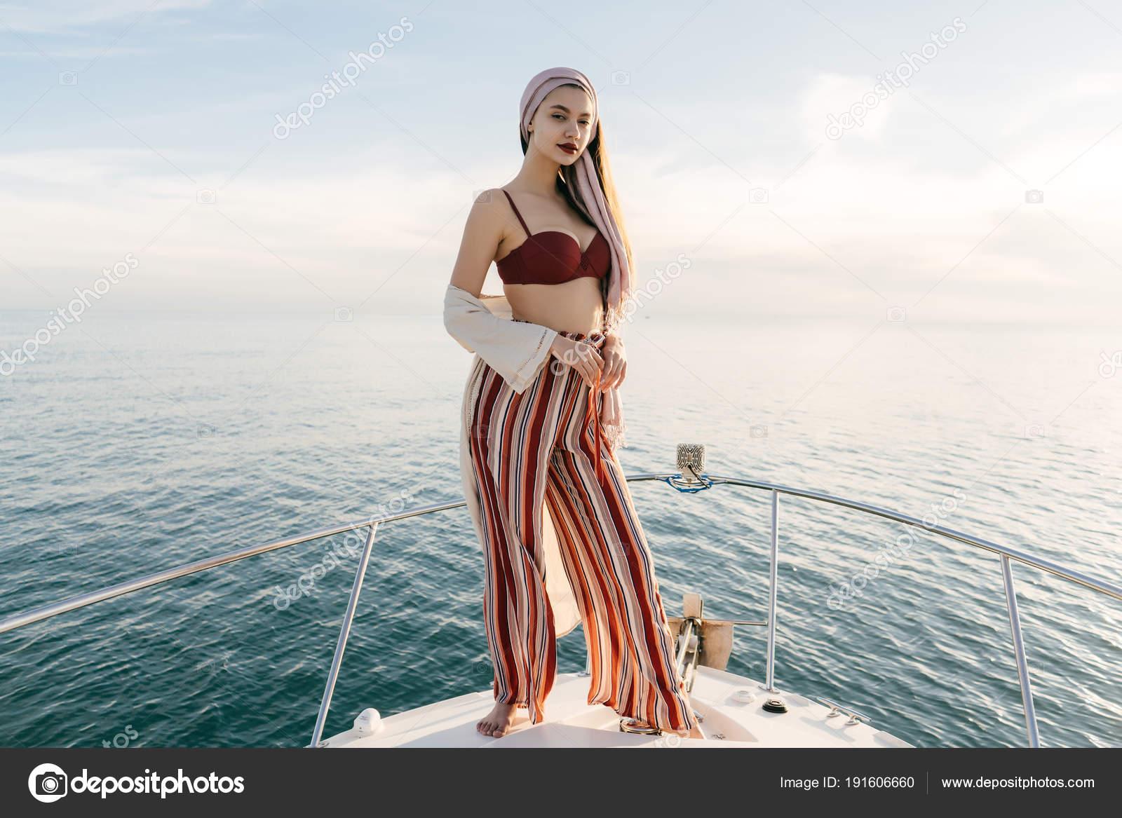 Девушки с богатыми фото
