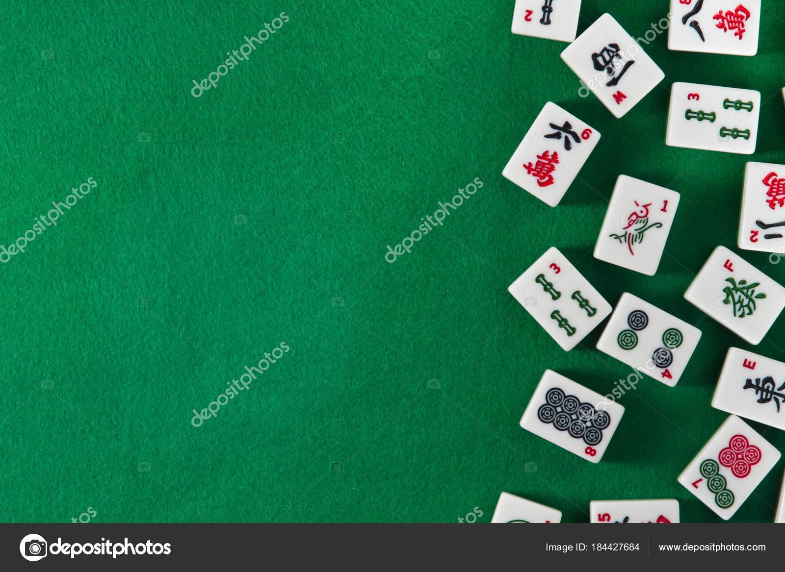 Meja Mahjong Stok Foto Meja Mahjong Gambar Bebas Royalti Depositphotos