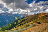 Fotografie Skigebiet in den Tiroler Alpen im Herbst, Österreich