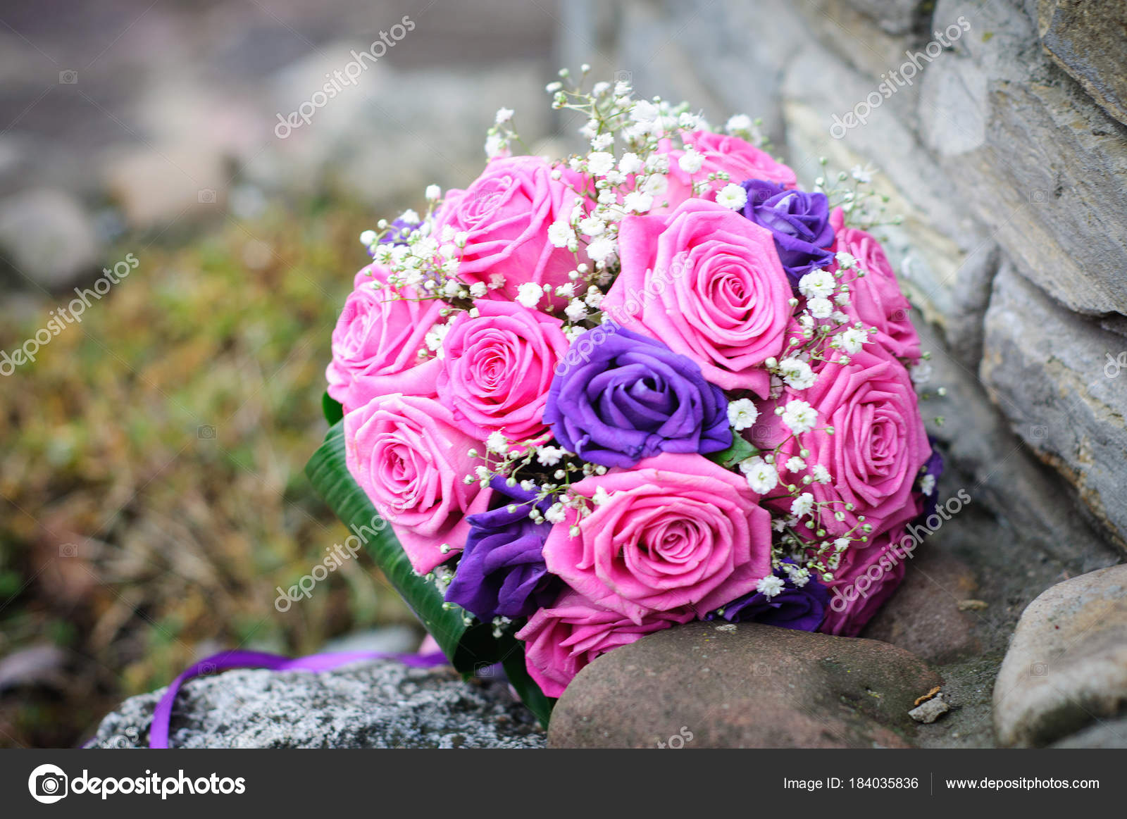 Wedding Bouquet Pink Purple Roses — Stock Photo © Kovych_in_ua ...