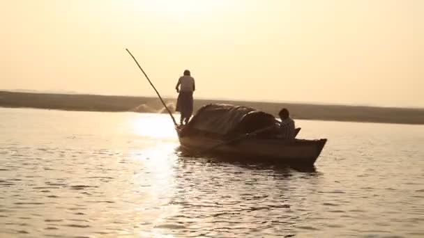 Rybáři na lodi