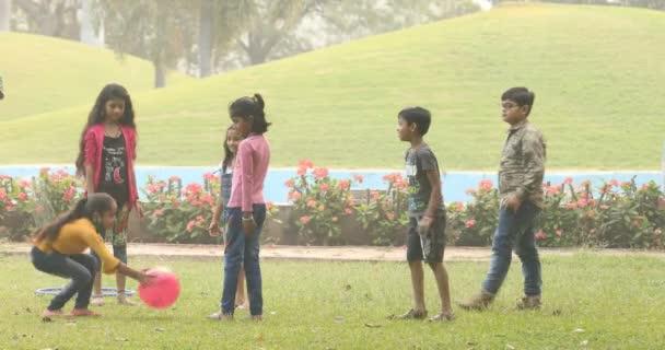 Dětské hry v parku 6. března 2020 Hyderabad Indie