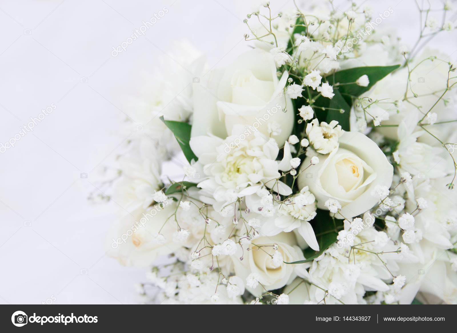 Weisse Rosen Hochzeit Blumenstrauss Hinlegen Isoliert Auf Weiss