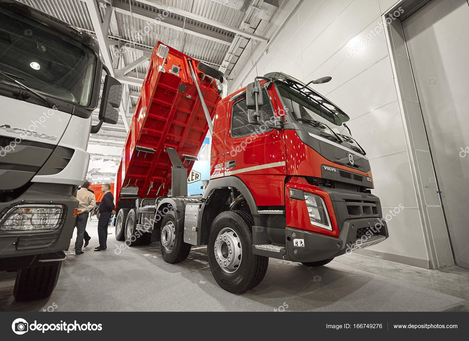 Volvo Exhibition Stand : Moscow sep view on volvo dump truck exhibit on