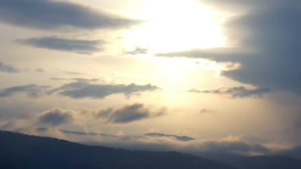 Cloud mountain sky zima