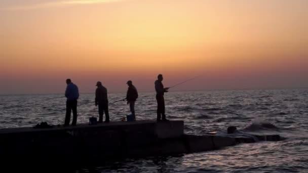 Halász tengeri napkelte