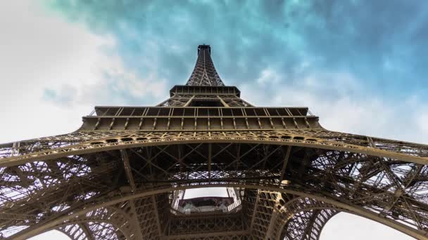 Eiffel Tower vertical panning time lapse